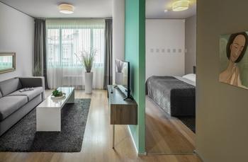 (1)-Room 6-2.jpg